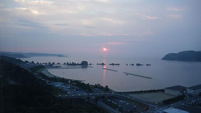 橋杭(はしぐい)海水浴